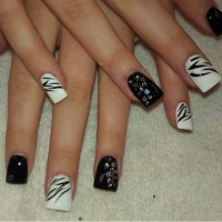 Black and White Nails for Classy Nail Designs