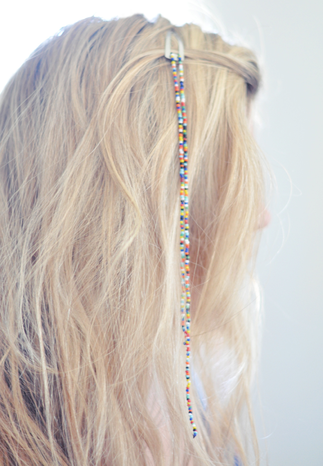 COLORFUL HANGING SEED BEAD HAIR CLIPS