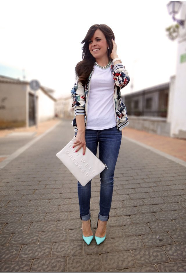Casual White Tee Outfit Idea with Jeans