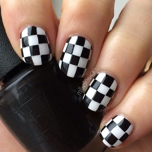 15 Easy Black And White Nail Designs For Beginners