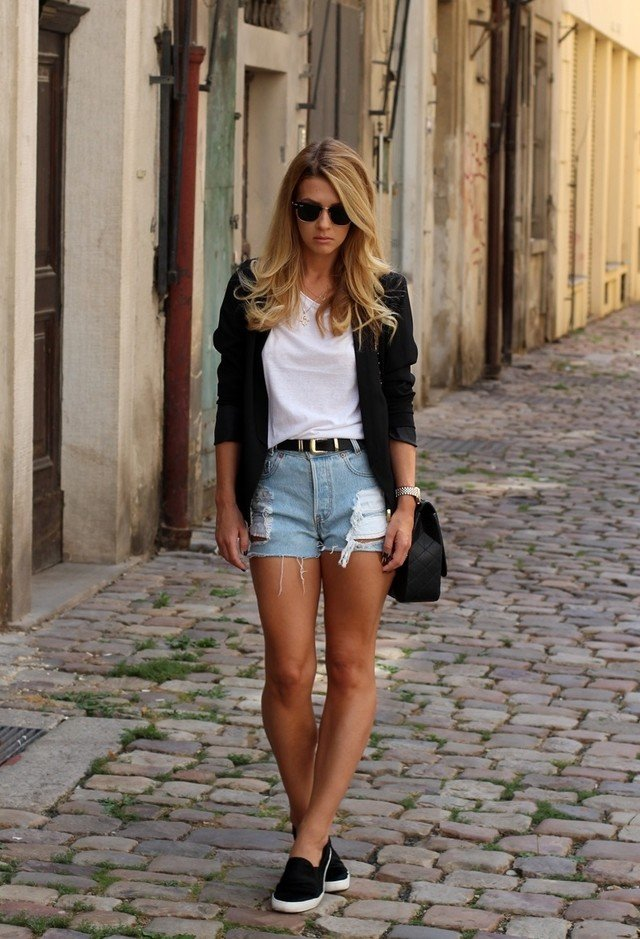 White Tee Outfit Ideas for Summer - Pretty Designs