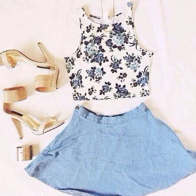 Cool Floral Crop Top Outfit Idea