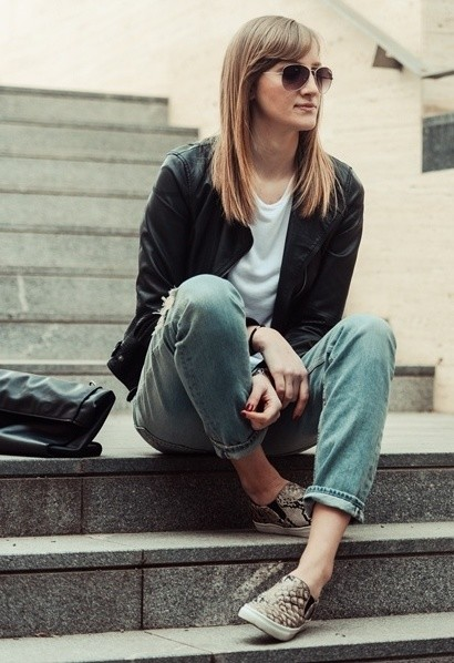 Cool Out fit Ideas with Sneakers