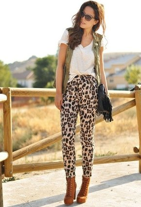 Cool Outfit Idea for Summer with Loose Pants