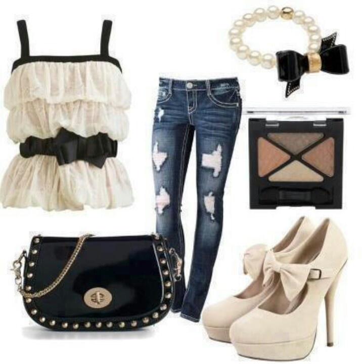 Cute Bow Outfit Idea for Young Women
