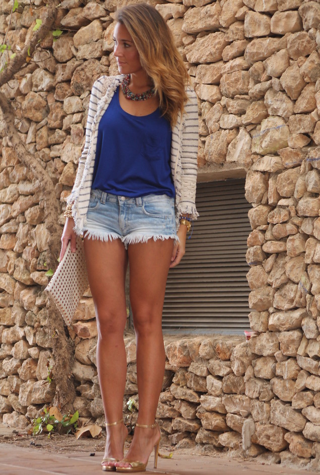Denim Shorts Outfit Idea for Summer
