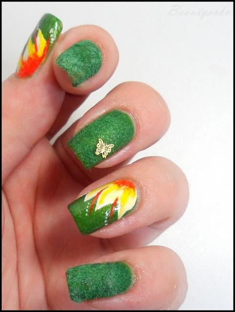 Green Velvet Nails with Flower Print
