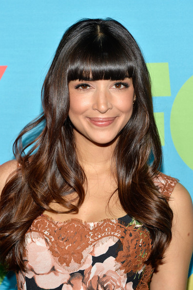 Hannah Simone Long Wavy Haircut with Bangs