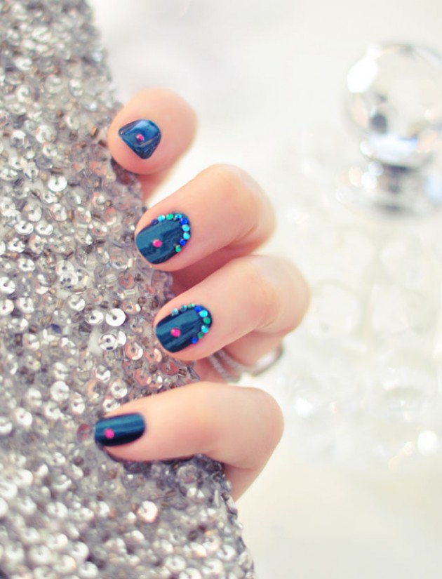 15 Creative Nail Designs for Holidays - Pretty Designs