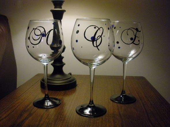 Spice up Wine Glasses to Parties: DIY Wine Glasses Projects