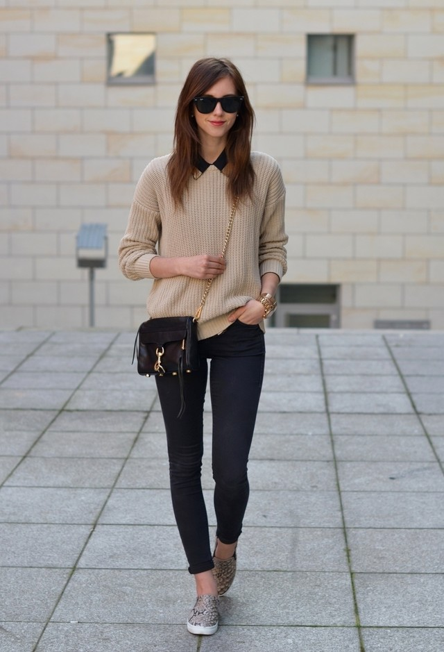 Light Brown Outfit Idea with Sneaker
