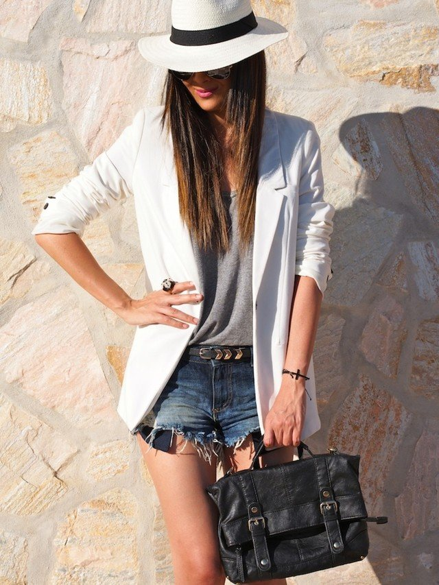 Long Blazer and White Hat Outfit