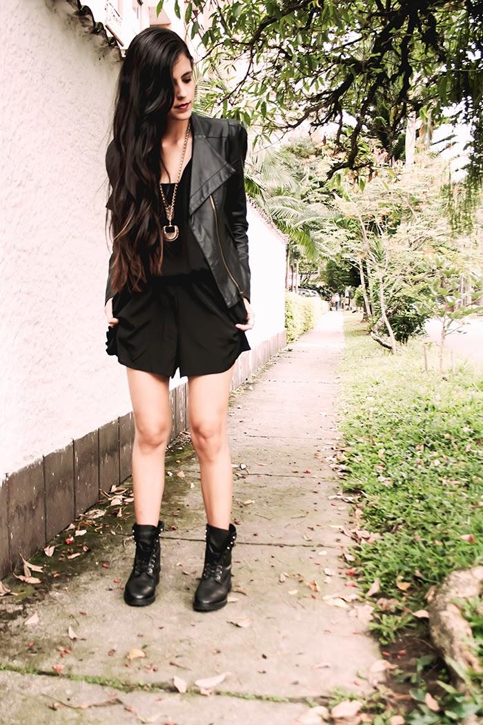 MONOCHROMATIC OUTFIT IDEAS - Black Jumpsuit