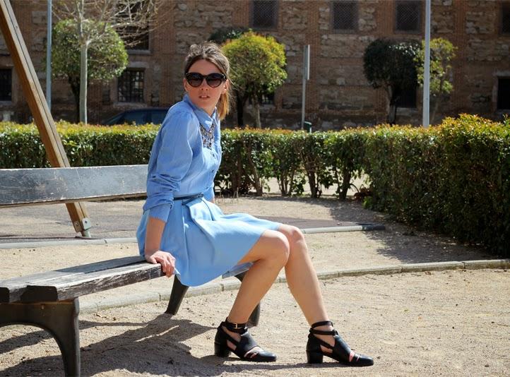 MONOCHROMATIC OUTFIT IDEAS - Denim Dress