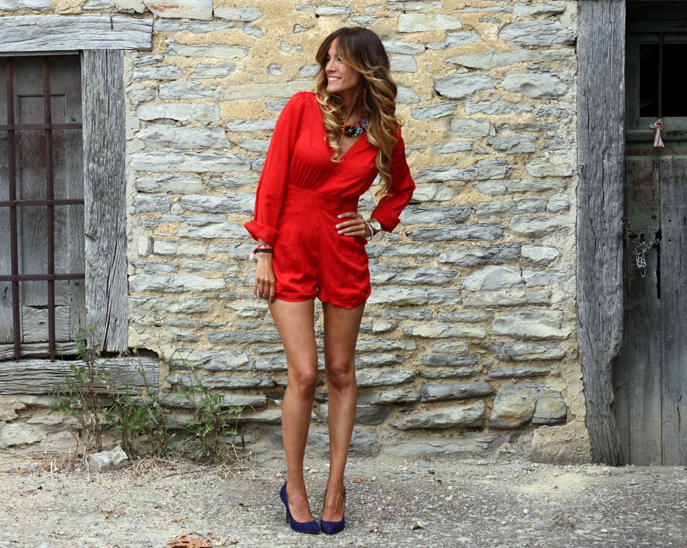MONOCHROMATIC OUTFIT IDEAS - Red Jumpsuit
