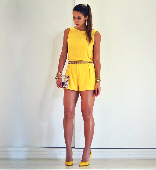 MONOCHROMATIC OUTFIT IDEAS - Yellow Jumpsuit