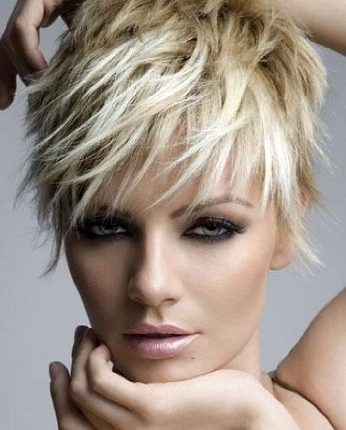 Messy Short Hairstyle for Women