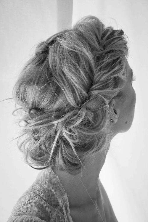 22 Cool Summer Updo Hairstyle Ideas