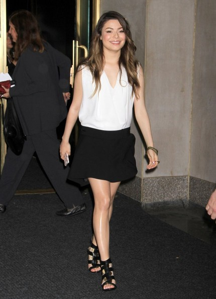Miranda Cosgrove's Simple Black Mini Skirt