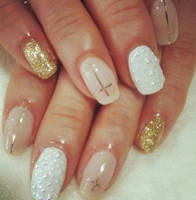 Nude and Gold Nails for Classy Nail Designs