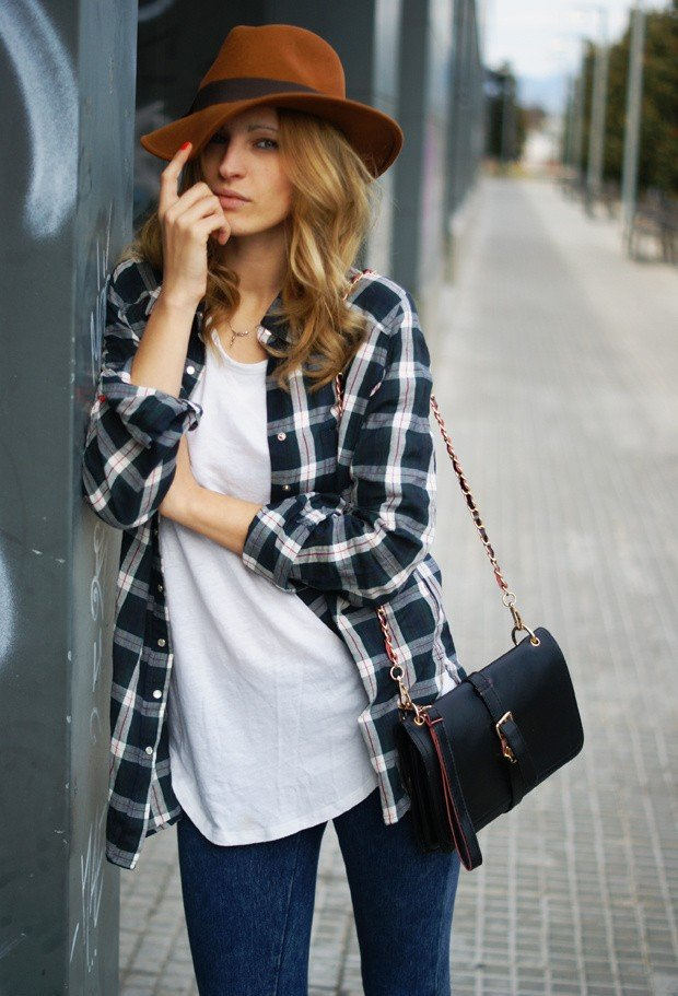 Plaid Outfit Idea with Brown Hat