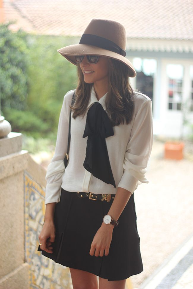 Pretty Outfit Idea with a Bow Shirt