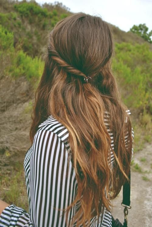 Pretty Twisted Hairstyle for Young Women