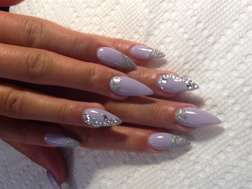 18 Delicate Embellished Nails For This Summer Pretty Designs