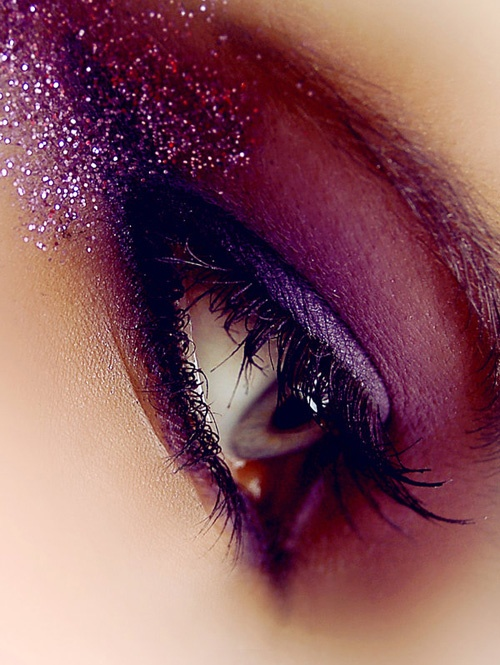 Purple Glitter Eye Makeup Idea
