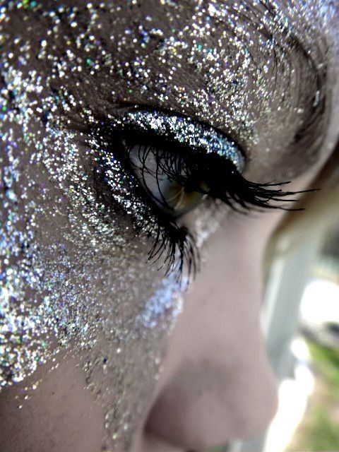 Shimmer Diva Makeup Look