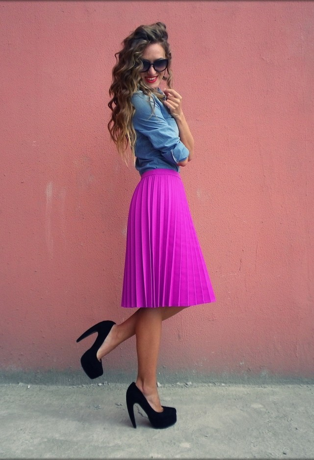 Spring Outfit Idea with Denim Blouse and Pleated Skirt