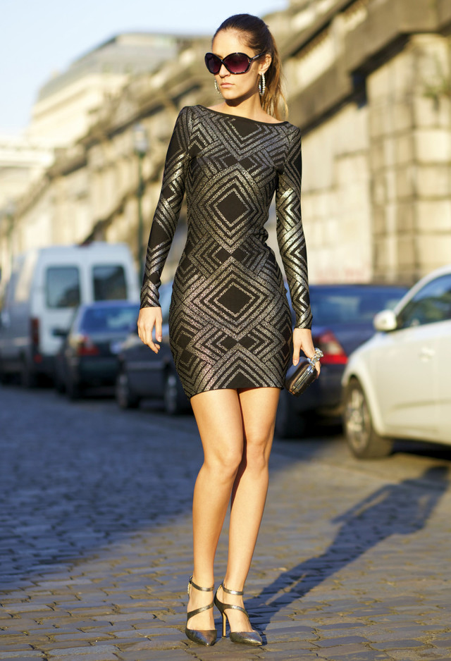 Street Style Dresses - Black Fitting Dress