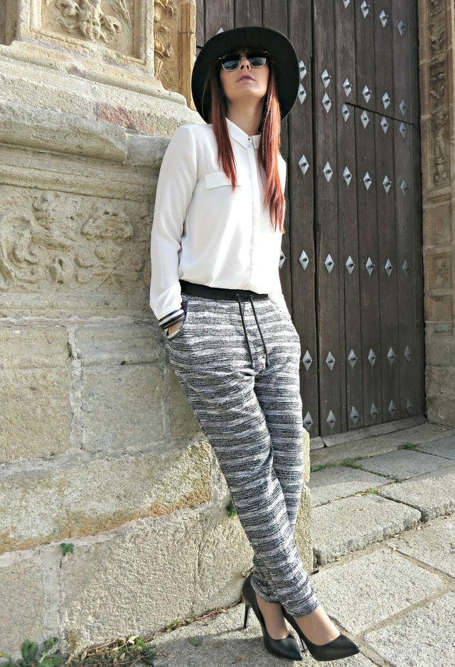 Stylish Outfit Idea with Loose Pants