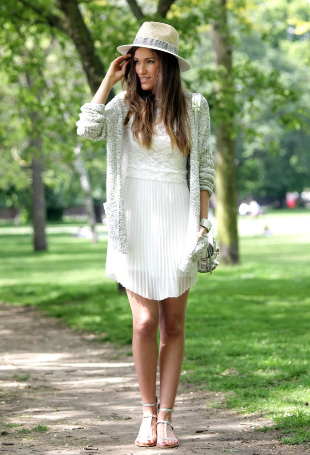 22 Fashionable Summer Outfit Ideas with a Hat - Pretty Designs dd185cb27ca