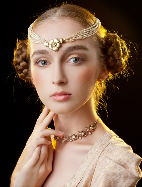 12 Overwhelming Princess Hairstyles For Women 2014