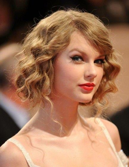 Taylor Swift Faux Bob