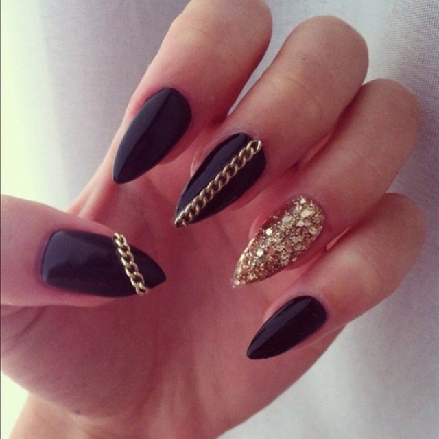 15 Fabulous Stiletto Nail Ideas