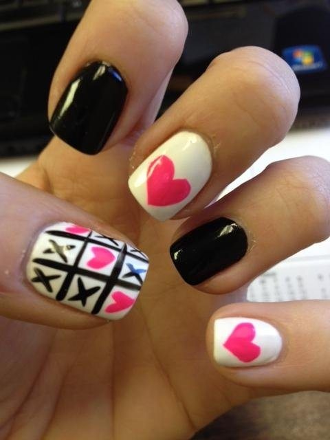 Black and White Nail Design Idea
