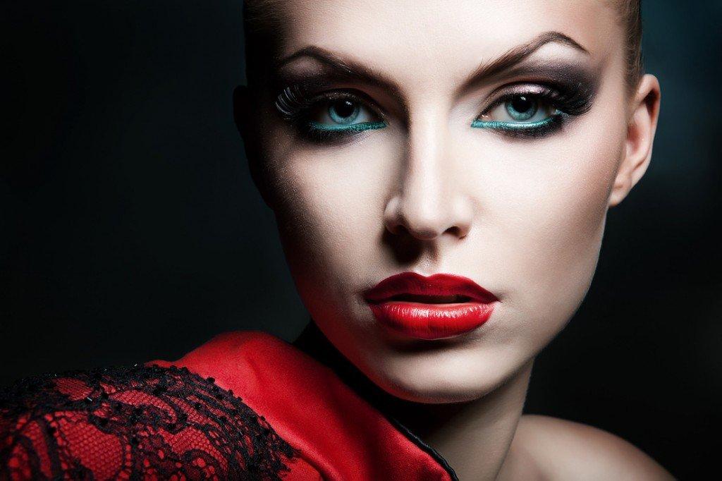 Blue Eye Liner Makeup Idea