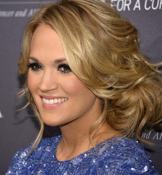Carrie Underwood Messy Bun