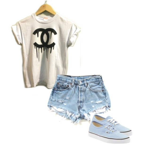 Casual-chic Outfit Idea with Denim Shorts