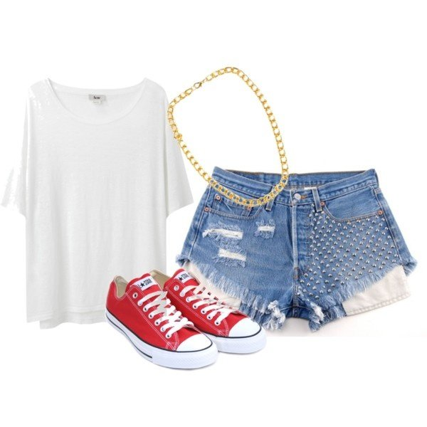 Casual-chic Outfit Idea with High Waisted Shorts