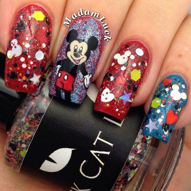 Chic Mickey Nails