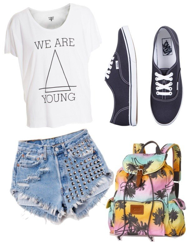 Chic Outfit Idea with High Waisted Shorts
