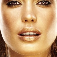 Glowing Bronze Makeup Idea