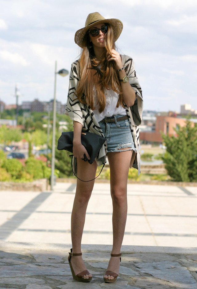 Gorgeous Summer Outfit with Denim Shorts and Hat