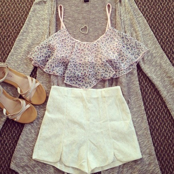 17 Summer Outfit Ideas with High-waisted Shorts - Pretty ...