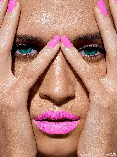 Hot Pink Idea for Summer Makeup