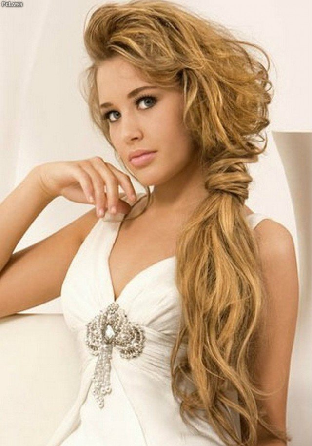 Loose Ponytail for Brides