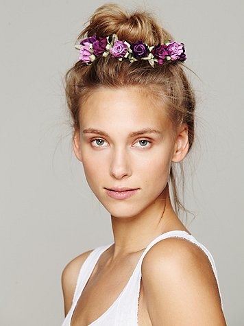 Lovely Hair Knot with Flower Accessory